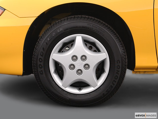 2005 Chevrolet Cavalier Front Drivers side wheel at profile