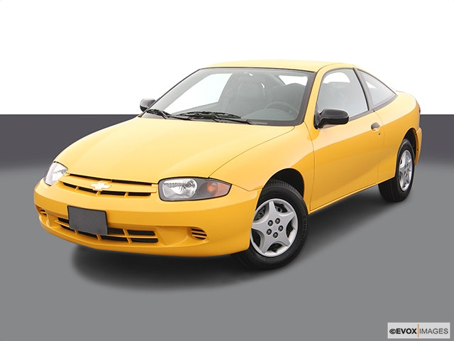 2005 Chevrolet Cavalier Front angle view