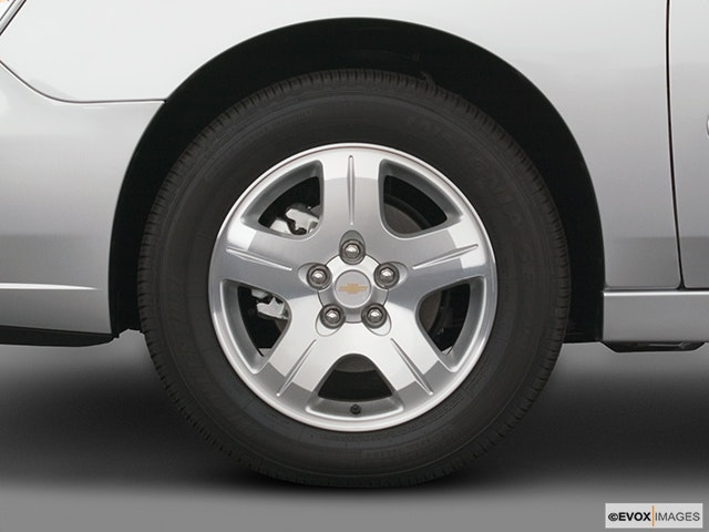 2005 Chevrolet Malibu Front Drivers side wheel at profile