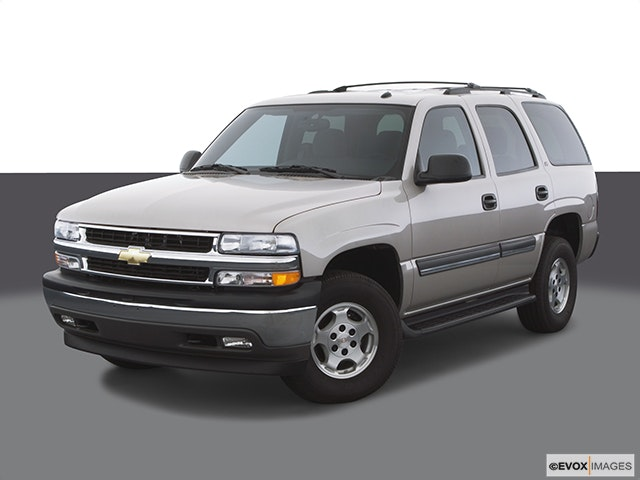 2005 Chevrolet Tahoe Front angle view