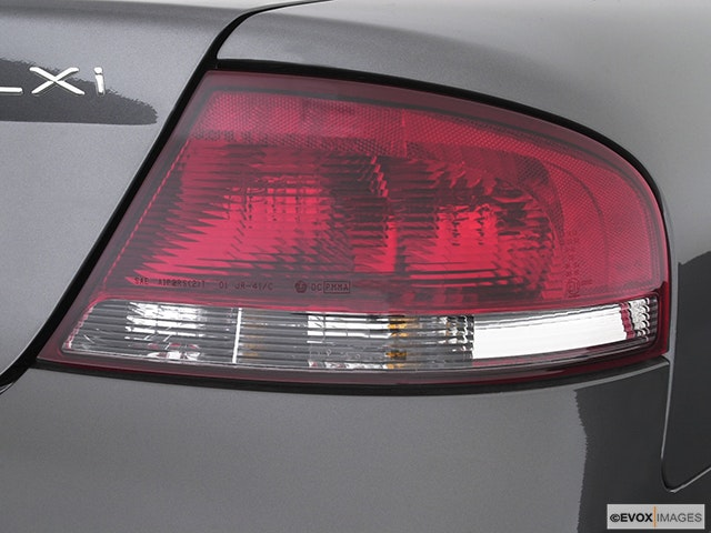 2005 Chrysler Sebring Passenger Side Taillight
