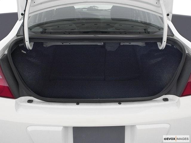 2005 Dodge Neon Trunk open