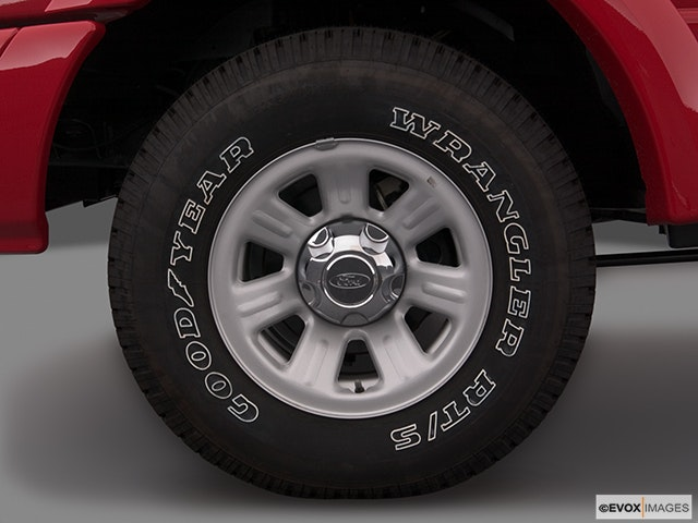 2005 Ford Ranger Front Drivers side wheel at profile