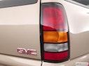 2005 GMC Sierra 2500HD Passenger Side Taillight