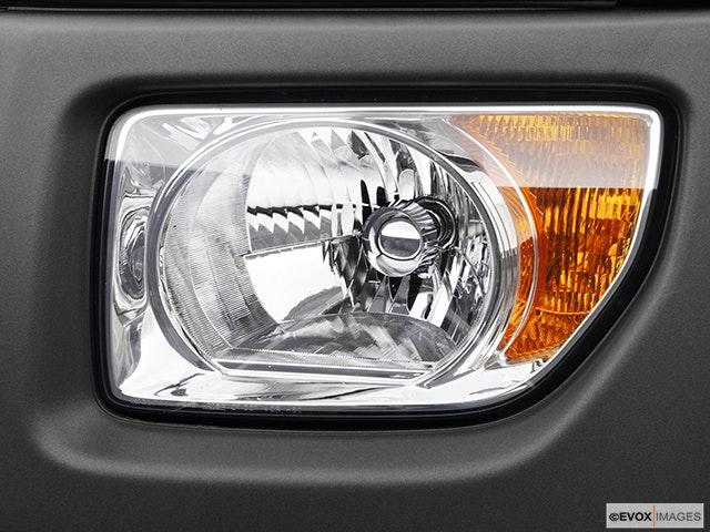 2005 Honda Element Drivers Side Headlight