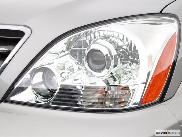 2005 Lexus GX 470 Drivers Side Headlight