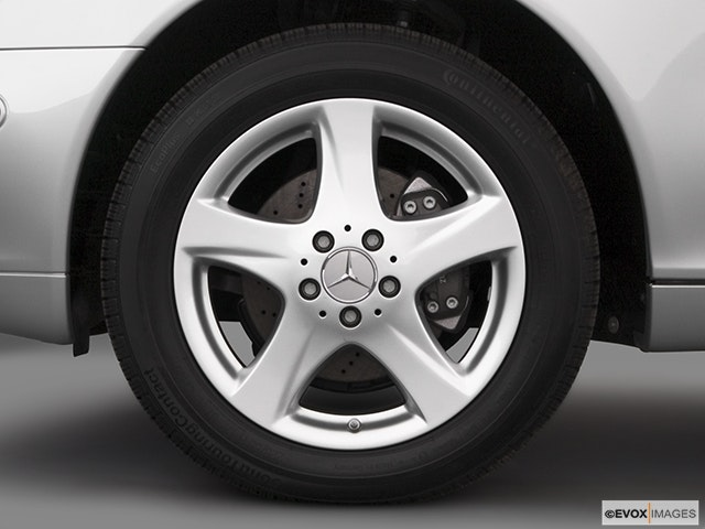2005 Mercedes-Benz S-Class Front Drivers side wheel at profile