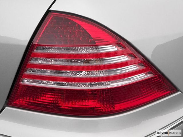 2005 Mercedes-Benz S-Class Passenger Side Taillight