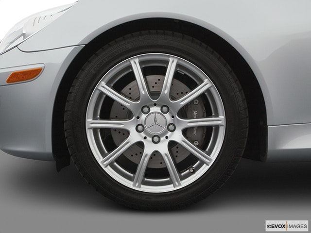 2005 Mercedes-Benz SLK Front Drivers side wheel at profile