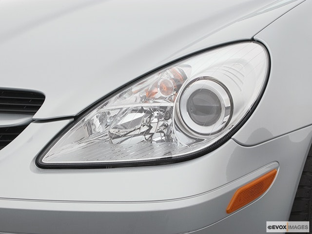 2005 Mercedes-Benz SLK Drivers Side Headlight