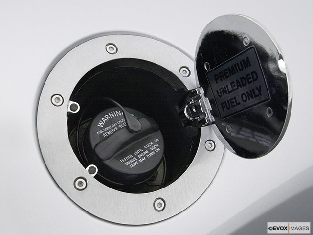 2005 Mitsubishi Eclipse Gas cap open