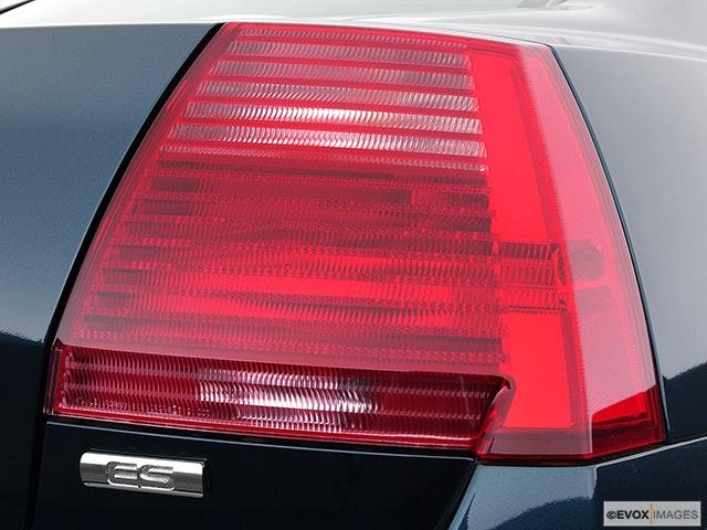 2005 Mitsubishi Galant Passenger Side Taillight
