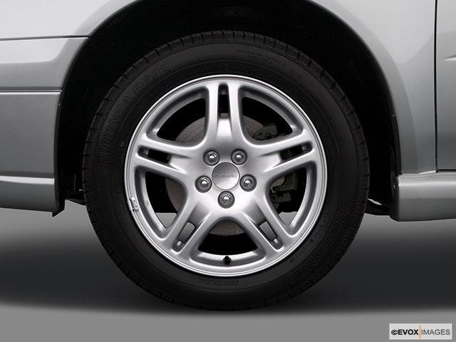 2005 Subaru Impreza Front Drivers side wheel at profile