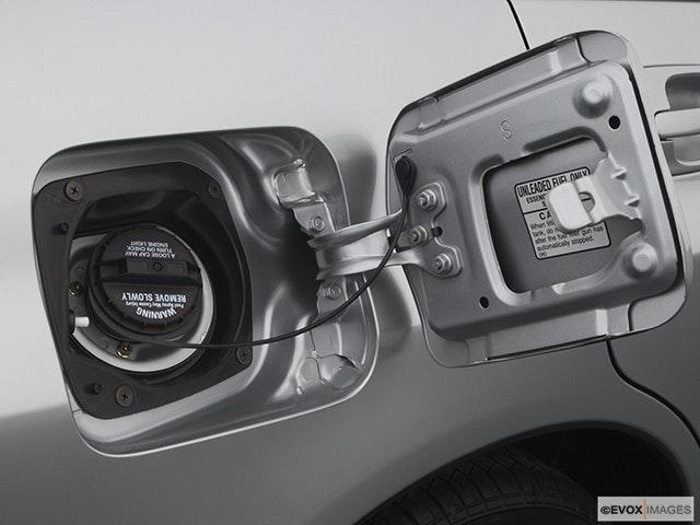 2005 Subaru Impreza Gas cap open