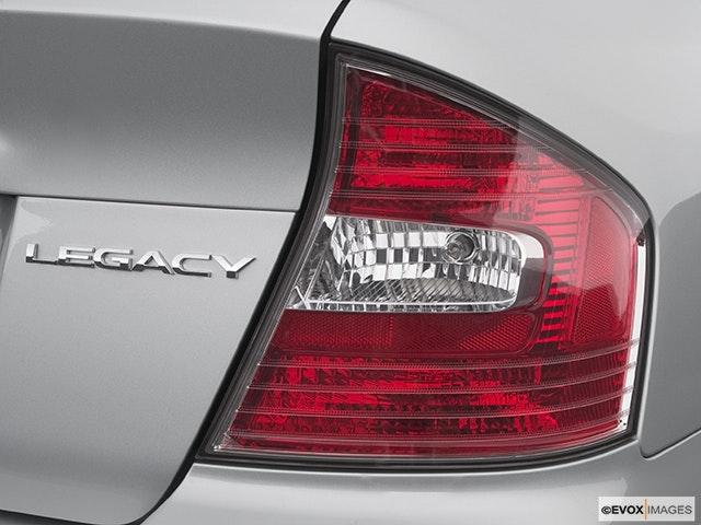 2005 Subaru Legacy Passenger Side Taillight