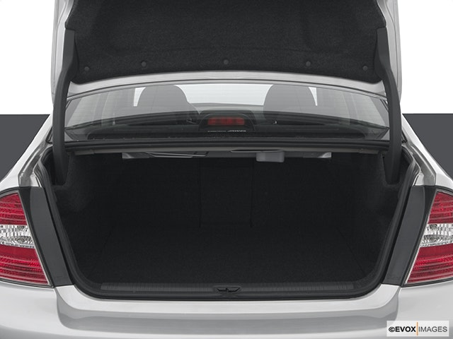 2005 Subaru Legacy Trunk open