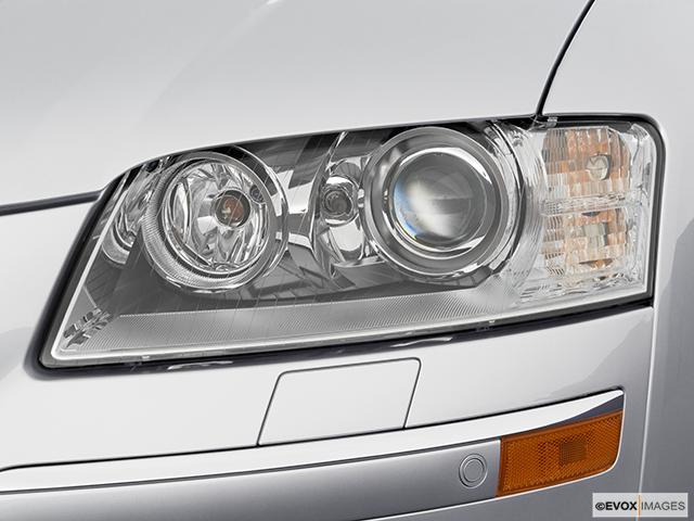 2006 Audi A8 Drivers Side Headlight