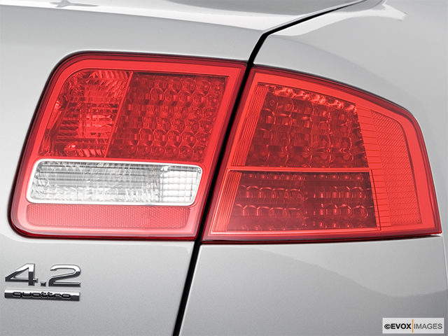 2006 Audi A8 Passenger Side Taillight