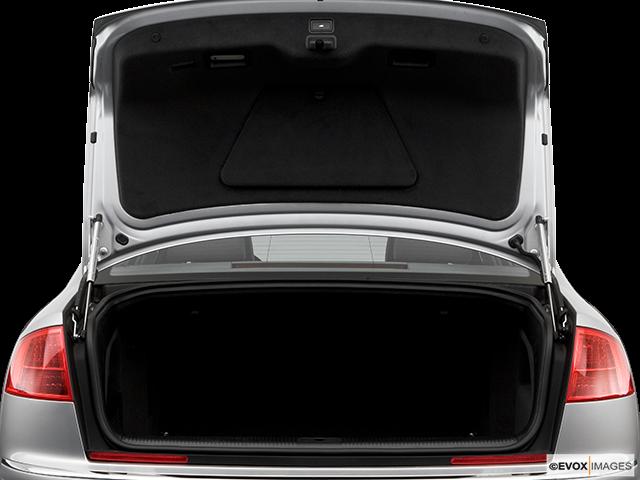 2006 Audi A8 Trunk open