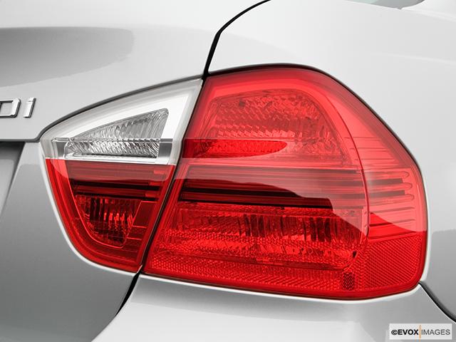 2006 BMW 3 Series Passenger Side Taillight
