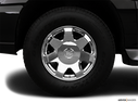 2006 Cadillac Escalade EXT Front Drivers side wheel at profile