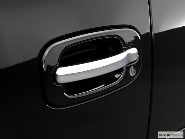 2006 Cadillac Escalade EXT Drivers Side Door handle