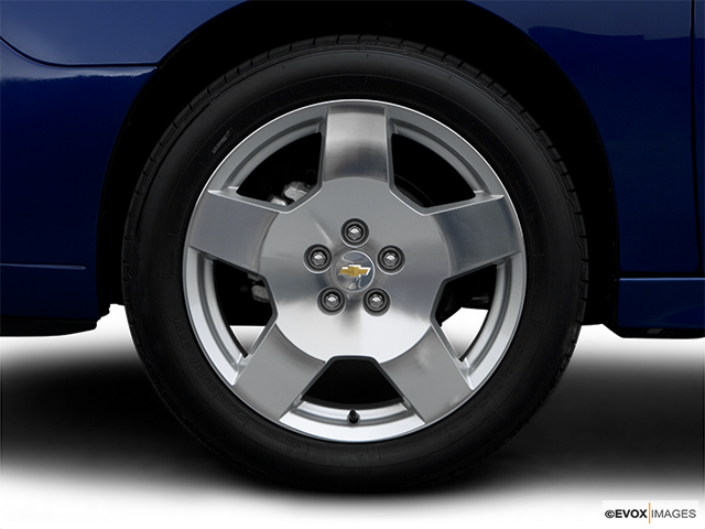 2006 Chevrolet Malibu Front Drivers side wheel at profile