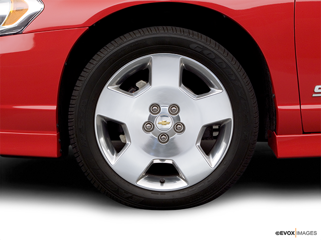 2006 Chevrolet Monte Carlo Front Drivers side wheel at profile