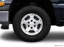 2006 Chevrolet Tahoe Front Drivers side wheel at profile