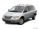 2006 Chrysler Town and Country Front angle view