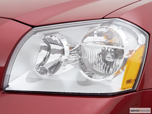 2006 Dodge Magnum Drivers Side Headlight