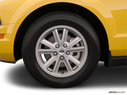 2006 Ford Mustang Front Drivers side wheel at profile