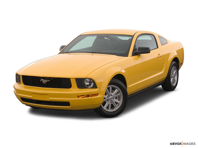 2006 Ford Mustang Front angle view