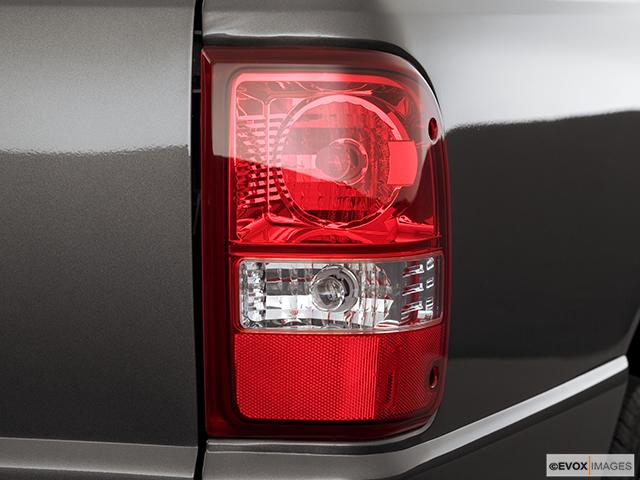 2006 Ford Ranger Passenger Side Taillight