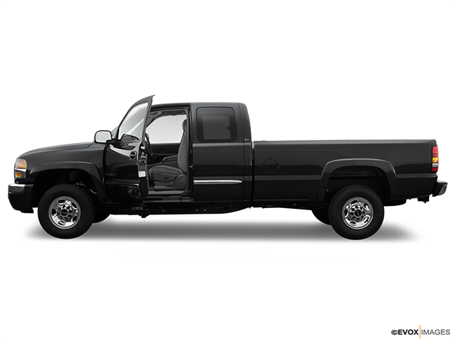 2006 GMC Sierra 2500HD Driver's side profile with drivers side door open
