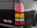 2006 GMC Sierra 2500HD Passenger Side Taillight