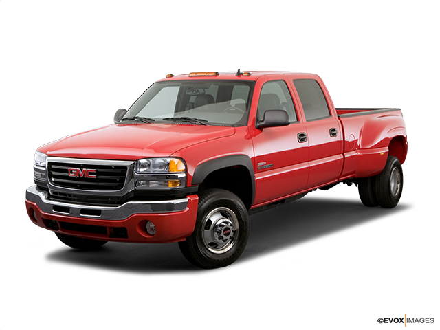 2006 GMC Sierra 3500 Front angle view