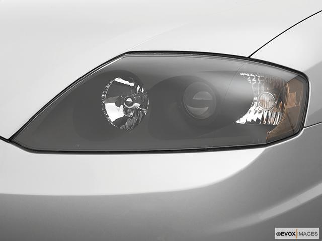 2006 Hyundai Tiburon Drivers Side Headlight