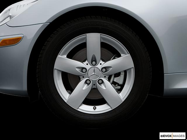 2006 Mercedes-Benz SLK Front Drivers side wheel at profile