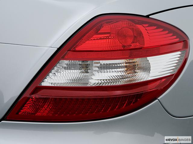 2006 Mercedes-Benz SLK Passenger Side Taillight