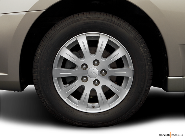 2006 Mitsubishi Galant Front Drivers side wheel at profile