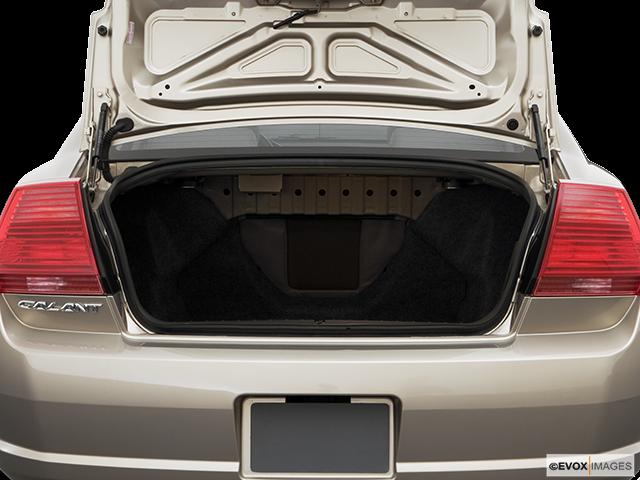 2006 Mitsubishi Galant Trunk open