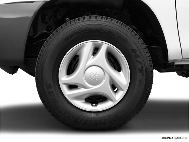 2006 Toyota Tundra Front Drivers side wheel at profile