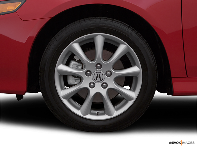 2007 Acura TSX Front Drivers side wheel at profile