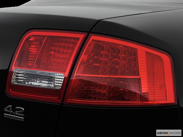 2007 Audi A8 Passenger Side Taillight