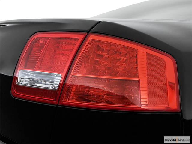 2007 Audi S8 Passenger Side Taillight