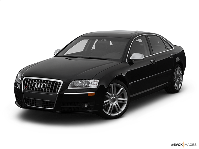 2007 Audi S8 Front angle view