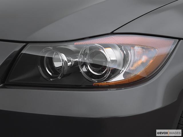 2007 BMW 3 Series Drivers Side Headlight