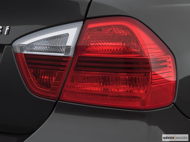 2007 BMW 3 Series Passenger Side Taillight