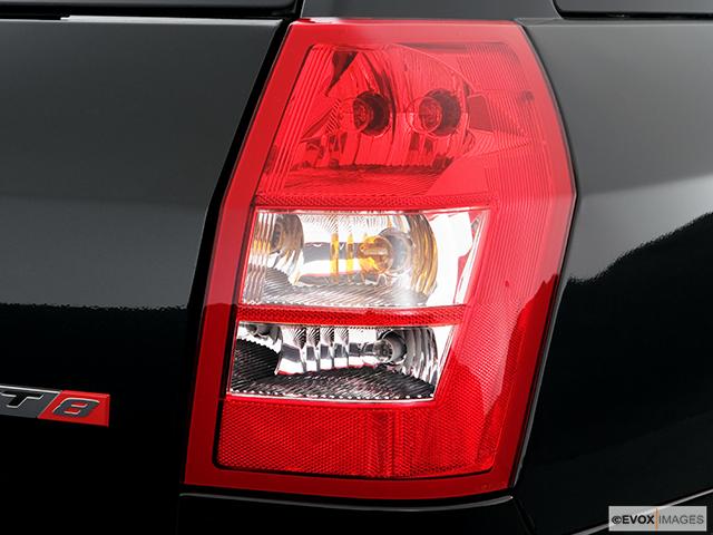 2007 Dodge Magnum Passenger Side Taillight